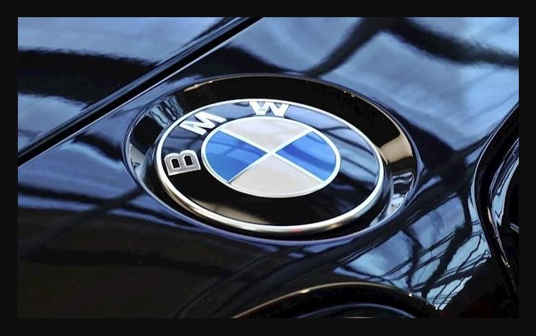 Lựa chọn màu sắc logo hãng xe